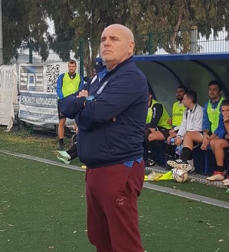 Eros Litardi, allenatore della Carlin's Boys capolista nel campionato di Seconda Categoria