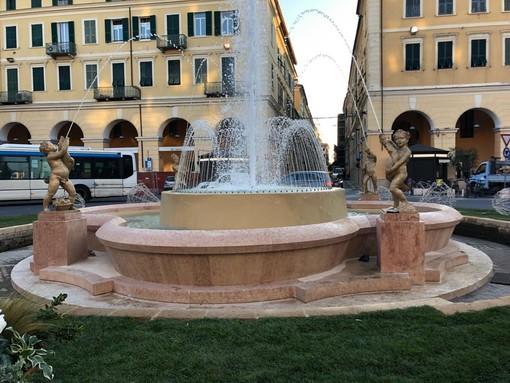 """Imperia: riapre dopo il restauro la Fontana di Piazza Dante, il sindaco Scajola """"Simbolo di una Città che si è rimessa in moto"""""""