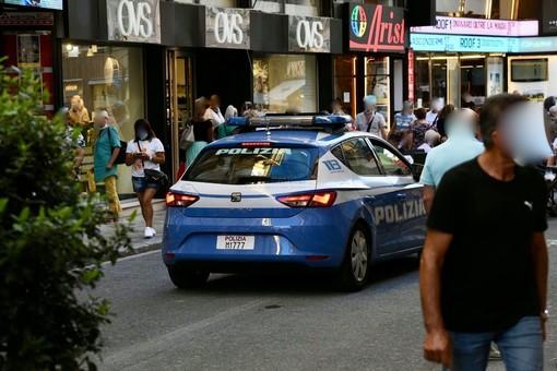 Sanremo: rubano 40 euro di trucchi all'OVS di via Matteotti, due minorenni fermate dalla Polizia