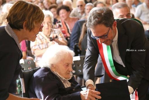 Bordighera: è tornata la festa degli anziani, consegnati oggi gli attestati ai cittadini più longevi (Foto)