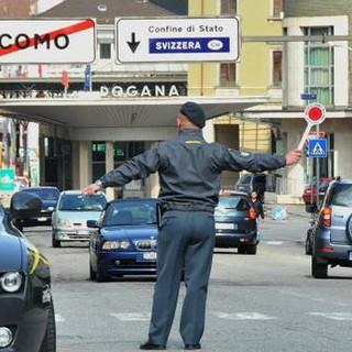 Quarantena in Svizzera per l'ingresso dalla Liguria: colloquio telefonico tra il presidente Toti e Ministro Di Maio