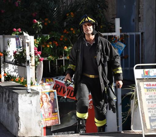 Arma di Taggia: bombola perde gas in via Blengino, evacuata una palazzina e intervento dei pompieri (Foto)