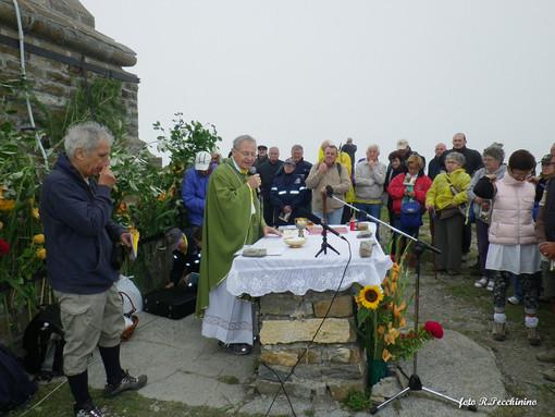 I video di Roberto Pecchinino: riviviamo il 111° Raduno sul Monte Saccarello con la Messa del Vescovo Alberto Maria Carreggio