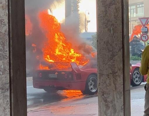Montecarlo: Ferrari F40 a fuoco nel Principato, auto distrutta e intervento dei Vigili del Fuoco