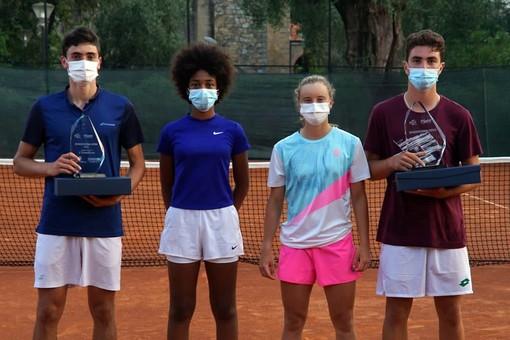 I finalisti dell'Open organizzato da Piatti Tennis Center al Bordighera Lawn Tennis Club 1878. Da sinistra: Peter Buldorini (finalista), Tyra Grant (finalista), Mara Viriant (vincitrice) e Giacomo Nosei (vincitore)