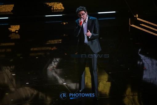Willie Peyote sul palco dell'Ariston