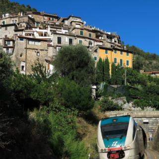 L'Assessore Berrino in visita al Sindaco di Ventimiglia: entro giugno il collegamento definitivo bus-treno con Cuneo