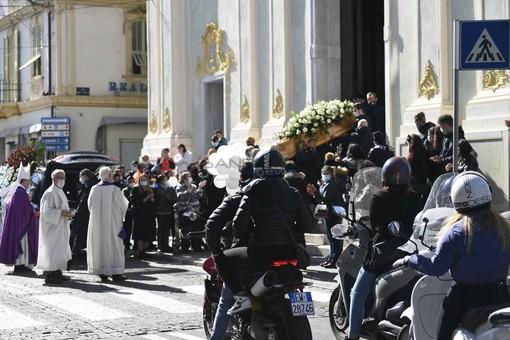Il funerale alla chiesa degli Angeli