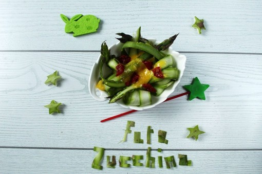 Felici & Veloci, la nuova ricetta di Fata Zucchina: 'Carbonara di asparagi'