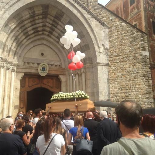Ventimiglia: in 300 nella Cattedrale per dare l'ultimo saluto a Sharon Micheletti uccisa domenica scorsa (Foto e Video)