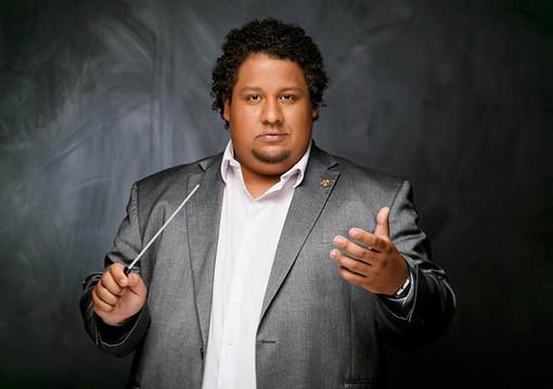 Il M° Gerardo Estrada dirige la Sinfonica al Teatro del Casinò di Sanremo