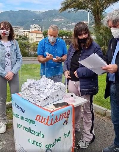 Taggia: Giornata Mondiale dell'Autismo, ieri l'estrazione dei biglietti vincenti per la lotteria ANGSA