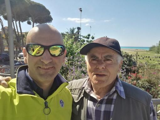 Ventimiglia: cura un giardino in una zona degradata vicino alla passerella, gli notificano un verbale (Foto)