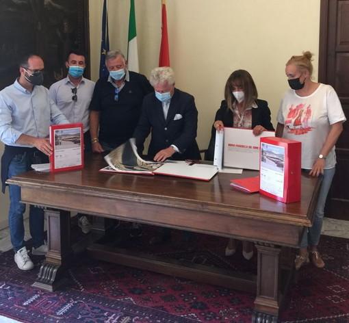 Ventimiglia: deleghe ridistribuite e più poteri alla Lega, Scullino annuncia la fine della crisi di maggioranza (foto)