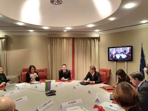 Coronavirus, Scuola e Sociale: Regione Liguria stanzia 7 milioni di euro di voucher per lezioni a distanza, attrezzature informatiche e servizi di assistenza domiciliare