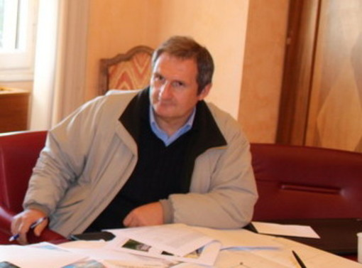 Imperia: Ilvo Calzia presenta il conto, il dirigente fa causa al comune per 229mila euro