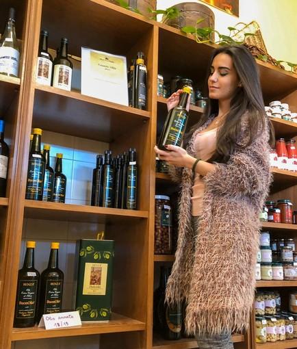 Tra tradizione e nuovi mercati: anche il Frantoio Benza di Imperia sceglie di promuoversi attraverso l'influencer Ilaria Salerno