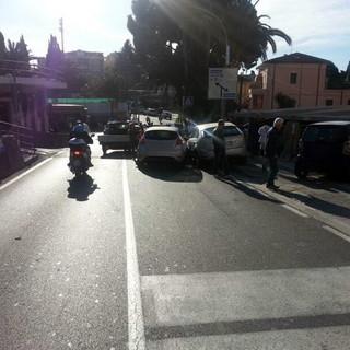Sanremo: problemi per il traffico eccessivo all'incrocio tra via Semeria e corso Marconi, servirebbe un'altra rotonda