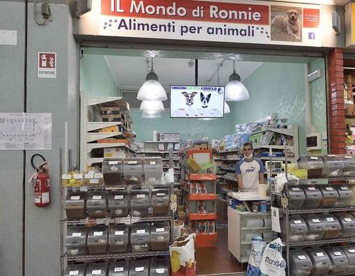 Il negozio 'Il mondo di Ronnie' al Mercato Annonario