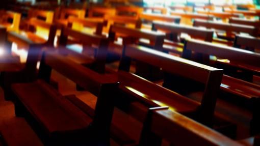 Come viene definito il colore delle vesti sacerdotali? Tutto quello che c'è da sapere