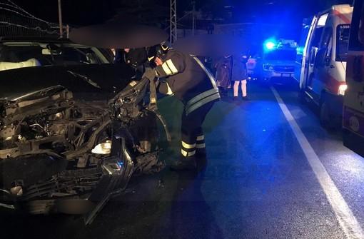 Bordighera: perde il controllo dell'auto in Arziglia, cinque feriti di cui due portati in ospedale