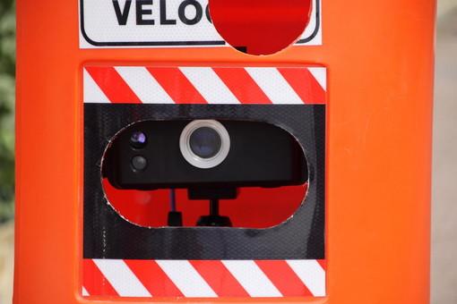 Bordighera: 112 multe per eccesso di velocità a fine luglio con i 'Velobox' in via Arziglia e via Vittorio Emanuele