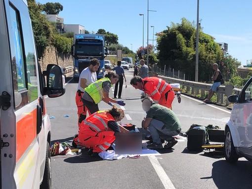 Santo Stefano al Mare: scontro auto-moto sull'Aurelia al bivio per Terzorio, 26enne di Taggia in gravi condizioni (Foto)
