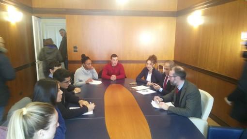 Imperia: terminato l'incontro tra gli studenti ed il Presidente Natta, confermato il tavolo aperto e l'accensione dei riscaldamenti la domenica