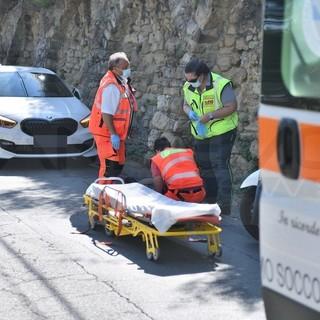 Sanremo: investito da un camion 'pirata' in strada Sen. Marsaglia, uomo portato in ospedale (Foto)