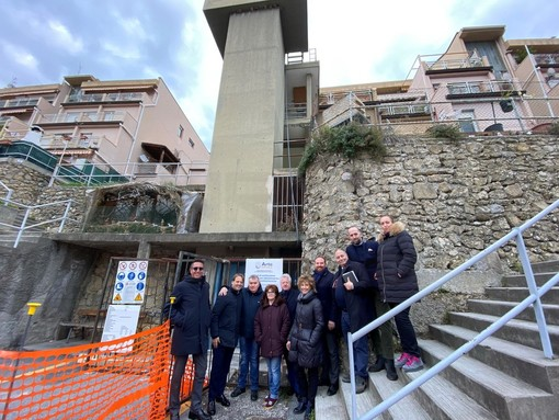 Ventimiglia: ascensore per consentire ad un diversamente abile di arrivare a casa, oggi l'inaugurazione dei lavori (Foto e Video)