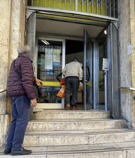 L'ingresso delle Poste centrali di via Roma