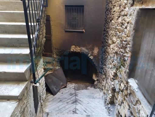 Pontedassio, esclusa la matrice dolosa per l'incendio che ha distrutto una cantina: corto circuito di un congelatore (Foto)