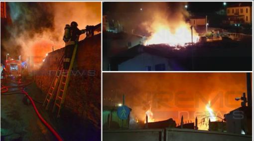 Ventimiglia: incendio in una serra abbandonata a Nervia, dalle 2 notte di lavoro per i Vigili del Fuoco (Foto e Video)