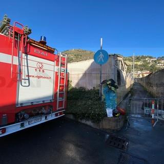 Ventimiglia: aveva acceso un fuoco per scaldarsi, ecco la causa dell'incendio nella serra di Nervia (Foto)