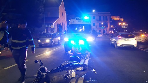 Imperia: scontro auto-moto nella zona del Prino, lievi ferite per una giovane portata in ospedale (Foto)
