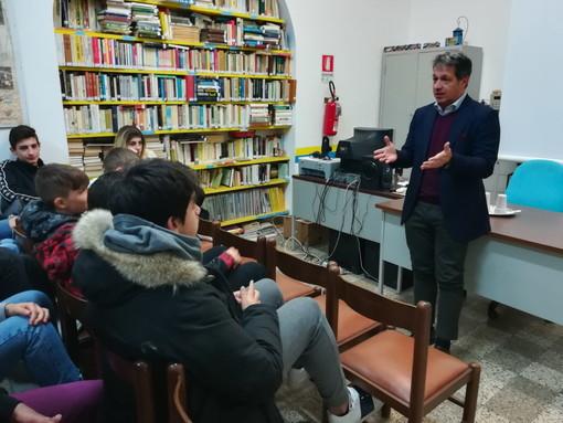 Due incontri tra gli studenti dell'Istituto 'Colombo' di Sanremo ed Arma con il Dottor Paolo Borea