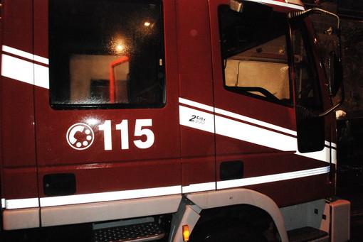 Sanremo: due incendi nella notte, a fuoco una mansarda ed una camera da letto a San Romolo