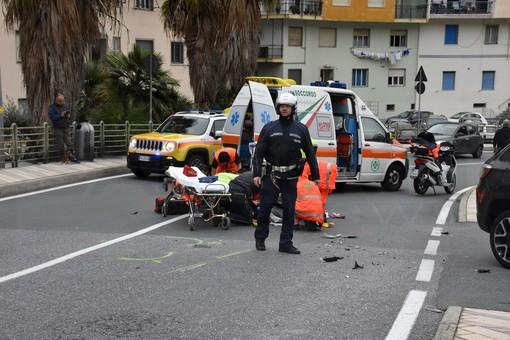 Sanremo: grave incidente in via Pietro Agosti, 26enne trasportato in ospedale al 'Borea' (Foto)
