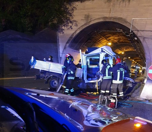 Incidente ieri sera in autostrada: aveva 54 anni ed era di Olivetta San Michele l'uomo morto sul colpo