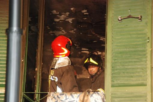 Sanremo: principio di incendio ieri sera in via Hope, pronto intervento dei Vigili del Fuoco