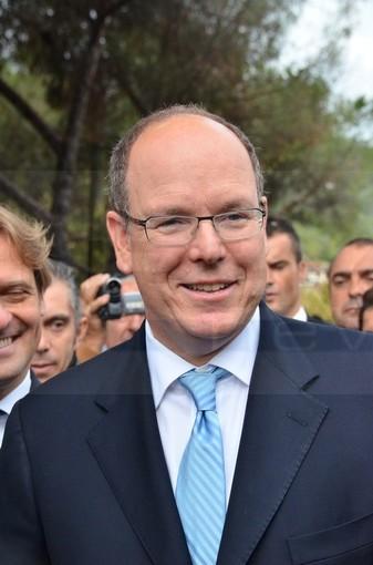 Da Montecarlo: il Principe Alberto di Monaco è guarito dal Covid-19, da oggi torna a vivere con la moglie ed i figli