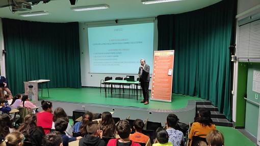 Ventimiglia: bilancio positivo per il 'Safe Internet Day', una speciale lezione per il Comprensivo 'Biancheri' (Foto)