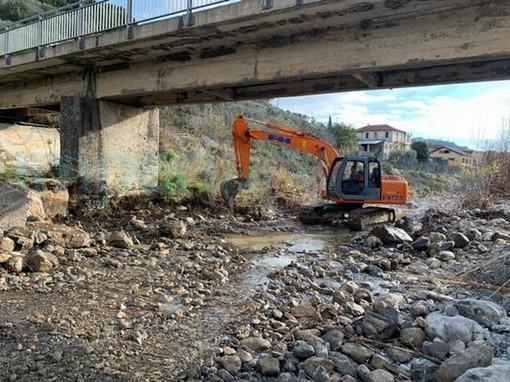 San Bartolomeo al Mare: iniziati i lavori del ponte in Borgata Richieri, tra 7 mesi sarà pronto (Foto)