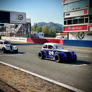 Grande ritorno dopo la pausa estiva per il Toscano Racing Team nel campionato nazionale Legends Cars (Foto)