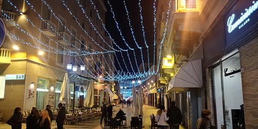 Le luminarie in via Matteotti