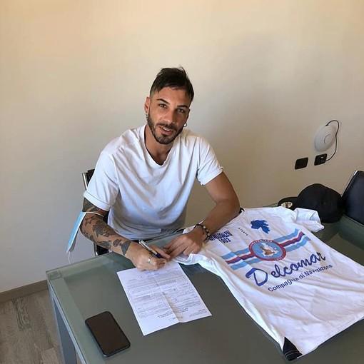 Luca Caboni firma per l'Ilvamaddalena