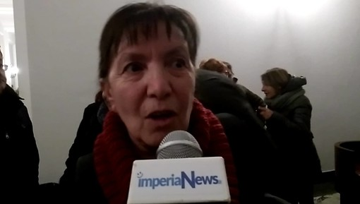 """Imperia: ex lavoratori Agnesi lasciano in polemica il Consiglio Comunale """"Ci prendete in giro da anni"""" (video)"""