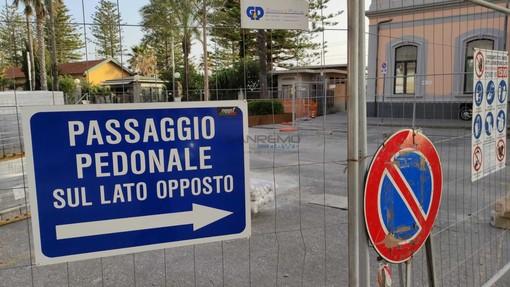 Bordighera: sopralluogo del Sindaco Ingenito e dell'Assessore Gnutti in piazza della Stazione