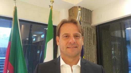 """La Francia applica 'le decrét plage' e dà il via alle concessioni marittime, Marco Scajola: """"L'Italia esca dalla Bolkestein"""""""