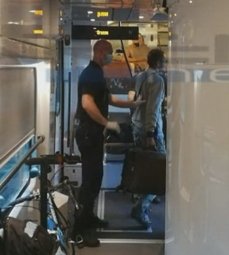 Mentone: sei migranti nascosti sul treno della speranza verso la Francia scoperti anche oggi dalla Polizia francese (Foto e Video)